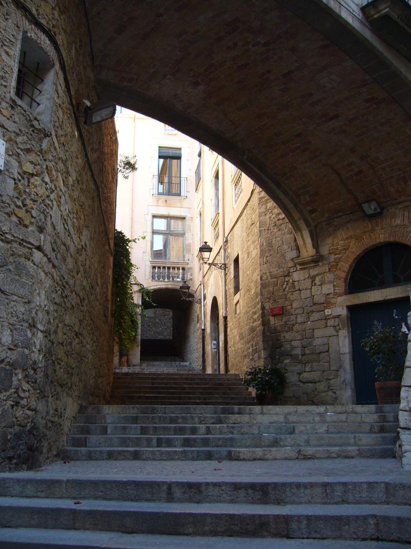 Casco antiguo junto juderia girona - Casco antiguo de girona ...